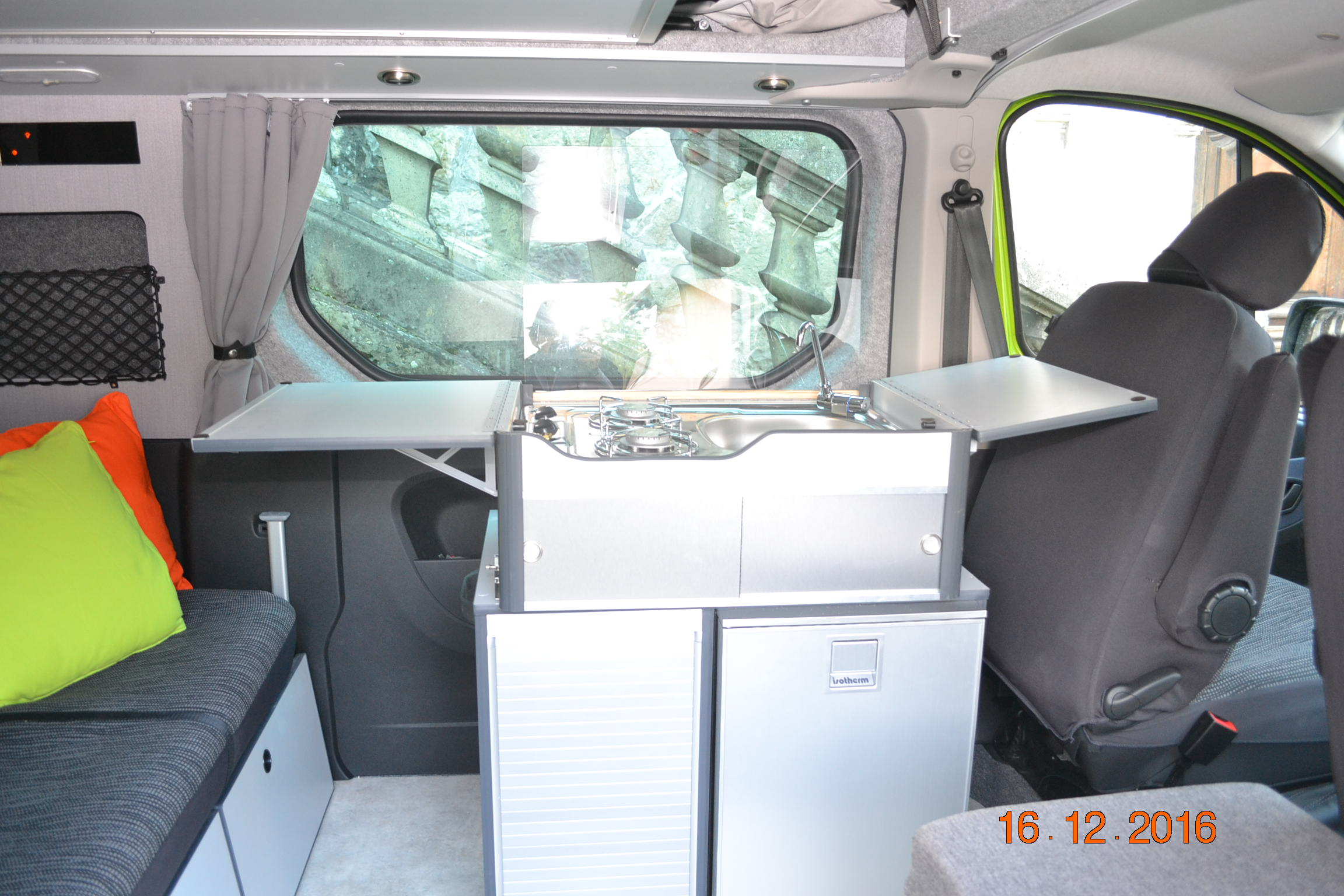 Caraben 39 s - Camion amenage pour cuisine ...