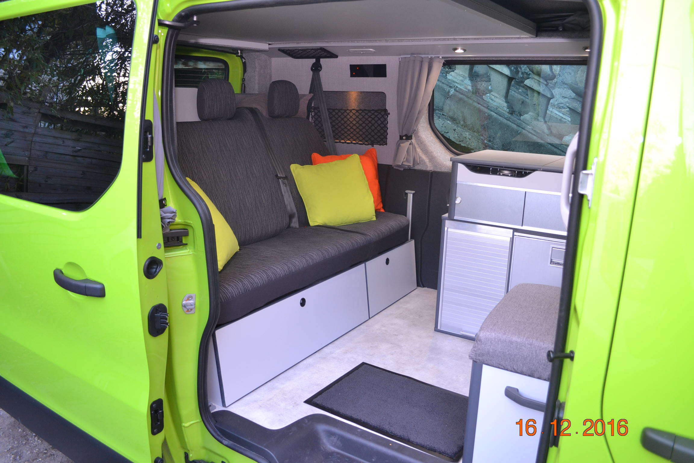 Caraben 39 s for Interieur trafic 9 places